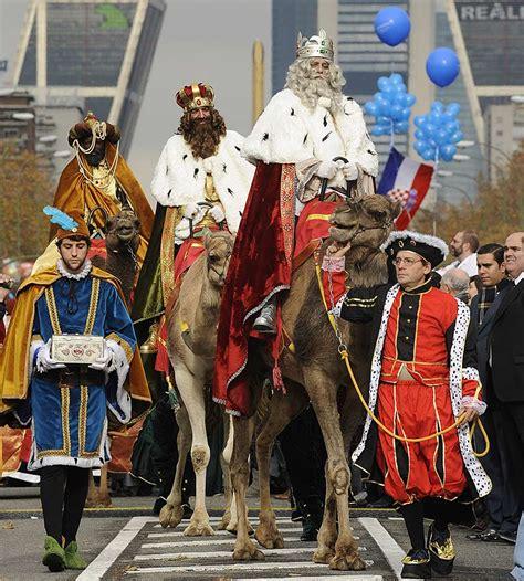fotos reyes magos en camellos actualidad revista de mundo