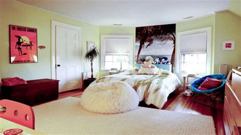 vibrant girl s bedroom teenage girls bedroom ideas housetohome co uk pufa siedzisko w formie worka inspirujace wnetrza com