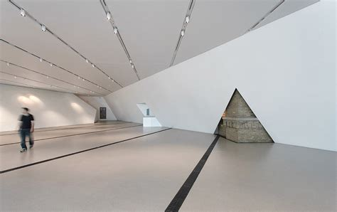 Royal Ontario Museum Interior by In Focus Sam Javanrouh Features Archinect