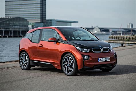 bmw i3 electric car range extended to 195 motoring bmw i3 electric car to get longer range next year ceo says