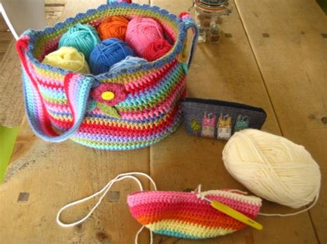 crochet pattern weekender bag 17 images about crocheted bags and accessories on