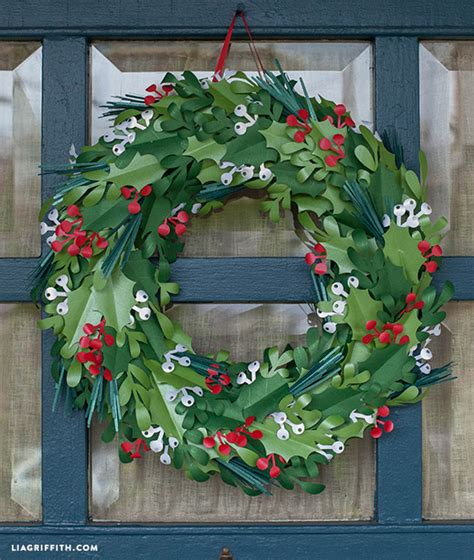How To Make A Wreath With Paper - make a paper wreath lia griffith
