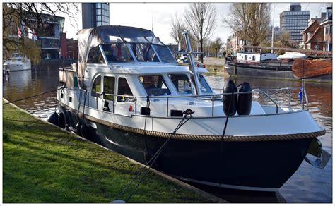 vaarbewijs leeuwarden bootverhuur friesland verhuur motorboten yachtcharter