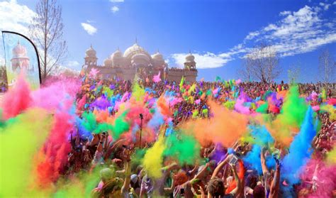 holi  images     world