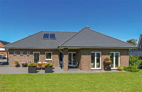bungalow 80 qm winkelbungalow 140 eco system haus gmbh massivhaus de
