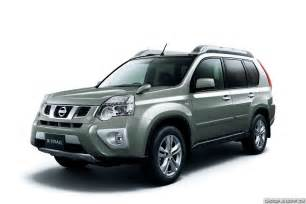 Nissan X 2011 Nissan X Trail Suv Facelift Breaks Cover In Japan