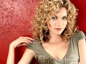 perms for 50 for medium hair peyton one tree hill wallpaper 34376 fanpop