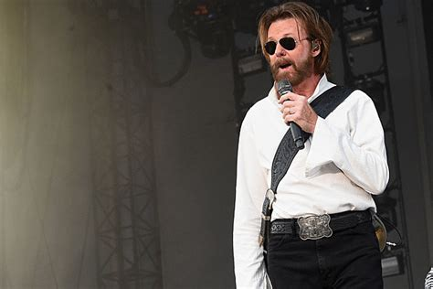 tattooed heart lyrics ronnie dunn ronnie dunn talks tattooed heart las vegas residency