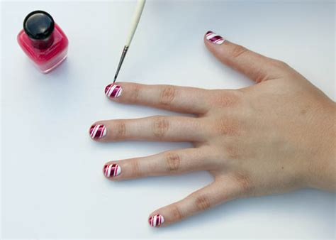 Tutorial Nail Art Dengan Selotip | tutorial nail art manis bergaya permen merdeka com