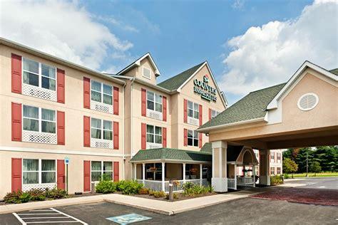 lodging ne country inn suites by carlson harrisburg ne hershey in