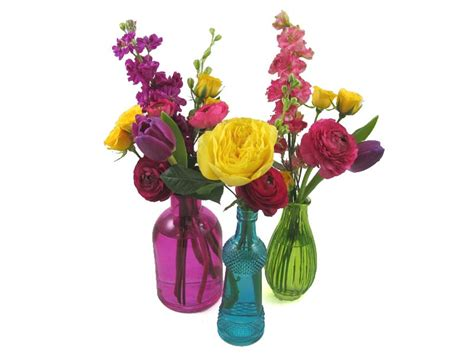 Best Flowers For Bud Vases by Diy Wedding Flowers Colorful Bud Vase Centerpieces