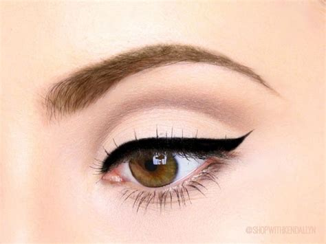 Aigner Eyeshadow Eyeliner Murah 1 simple stunning decay basics pallet cut crease makeup look makeup