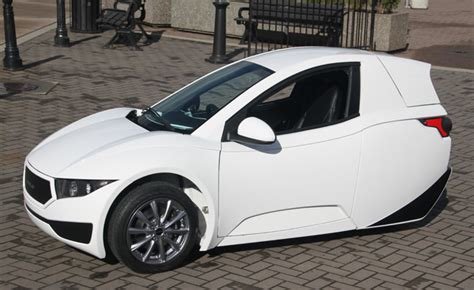 2017 single seat three wheel electric car unveiled