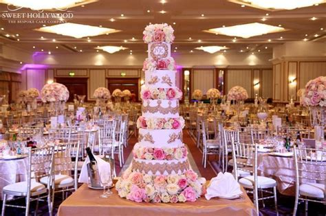 1000  ideas about Luxury Wedding Cake on Pinterest