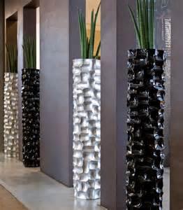 grosse vasen wir bieten ihnen ein gro 223 e auswahl an pflanzgef 228 223 en und