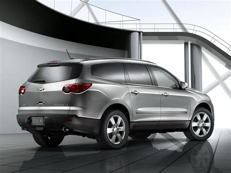 chevrolet traverse ls 2010 chevrolet traverse price photos reviews features
