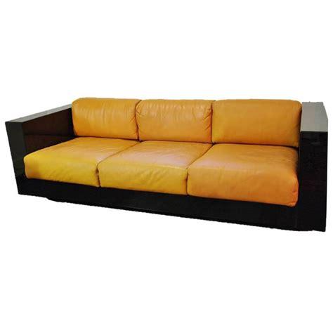 saratoga by poltronova sofa design by massimo vignelli