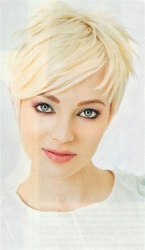 fat face pixie cut pixie haircut for a fat face short haircuts ideas