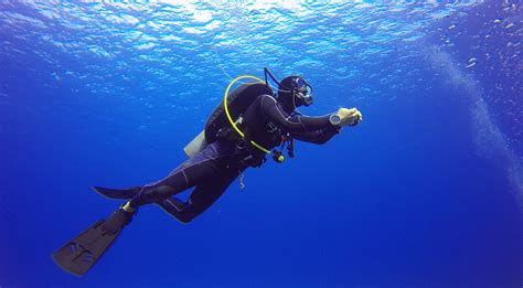 le dive scuba diving risks pressure depth and consequences