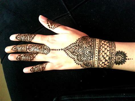 simple wrist henna design indian arabic fusion mehendi youtube
