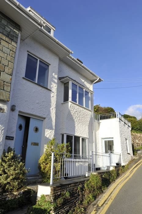roseland cottages st mawes cutty sark delightful cottage situated in the of st mawes only a walk from the