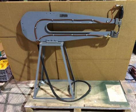 auto forwarding tool c yoke pedestal aero aircraft auto riviter rivet