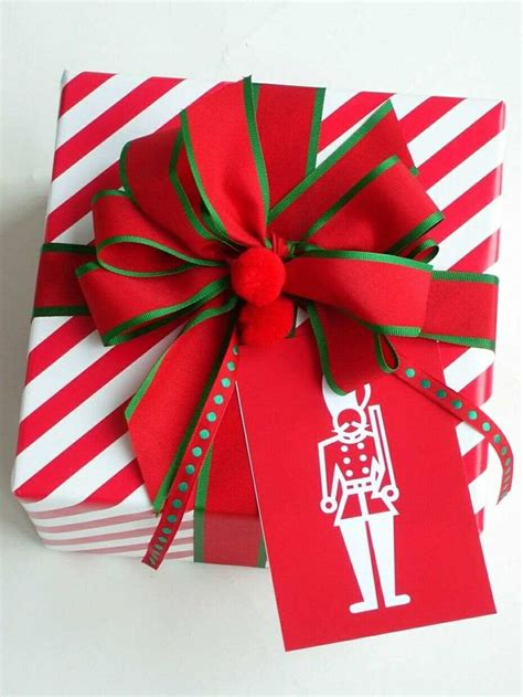 christmas holiday gift wrap ideas for presents red