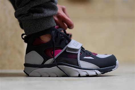 Nike Huarache Original Brande Brown White nike air trainer huarache fireberry sbd