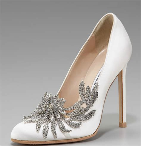 Where To Get Bridal Shoes by Get The Look S Quot Breaking Quot Bridal Shoes It S