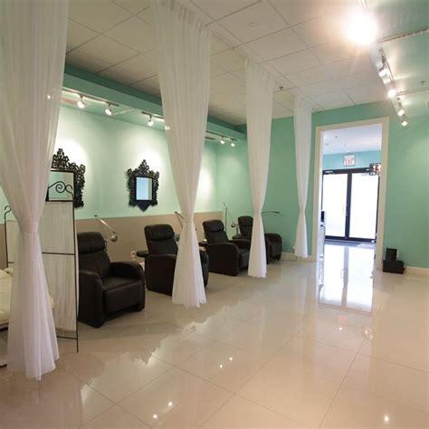 colors for hair salon walls mint green n white salon decor salon ideas pinterest