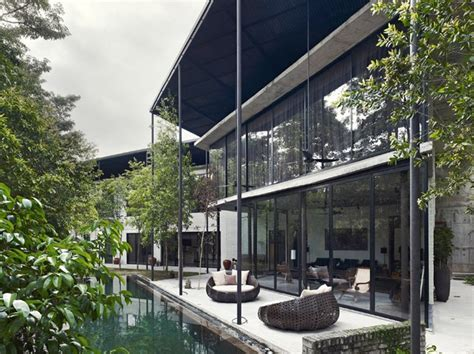 Dog Concrete House by Kevin Low, Kuala Lumpur, Malaysia