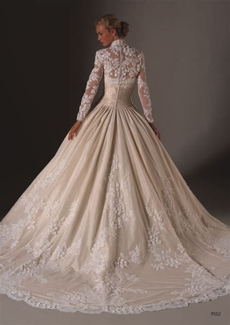 14 Most Beautiful Designer Wedding Gowns For Winter 2009 2010 by The Most Beautiful Gown I Ve Seen I Am Still
