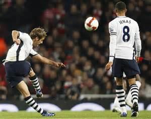 David Bentley Goal From Vieira To Sol Cbell David Bentley To Pat