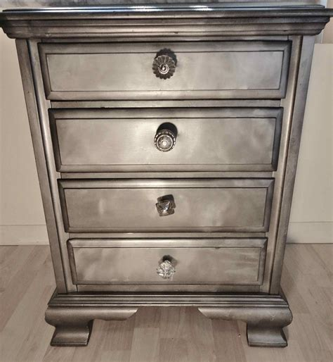 ridiculously awesome shabby chic furniture makeover using krylon looking glass paint do it
