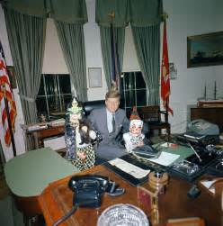 Kennedy Oval Office 17 Rare Photos Of Jfk And Children Celebrating Halloween