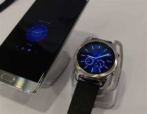 Samsung Frontier Smartwatch samsung s new gear s3 classic and frontier smartwatch