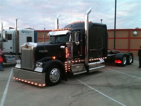 kenworth semi black kenworth w900 keep on truckin pinterest rigs