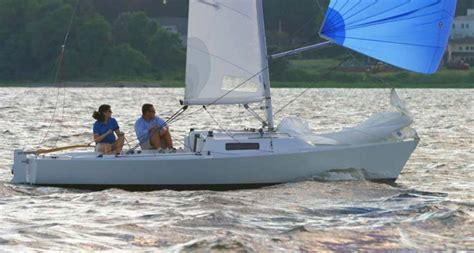 snelle kajuitzeilboot j22 kajuit zeilboot ophoven botentehuur nl
