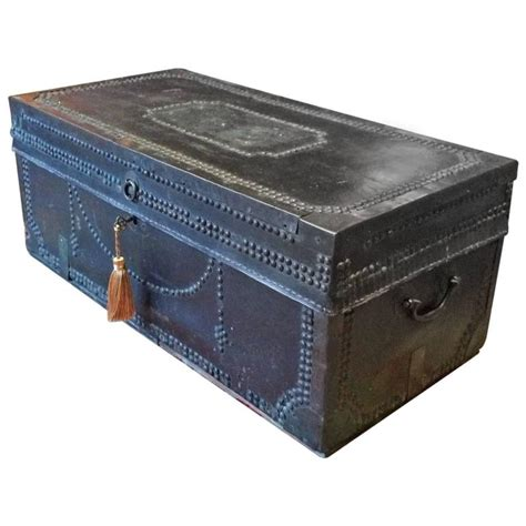 travel trunk chest coffee table leather brass studded