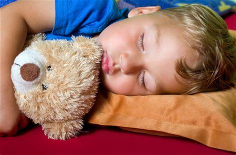 wieviel schlaf braucht ein wieviel schlaf braucht ein baby