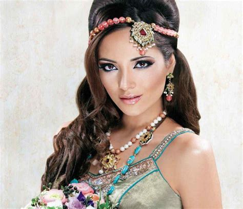 one sided best matha patti or maang tikka hairstyles for party 2017 2018 maang tikka 18 new maang tikka styles for face types
