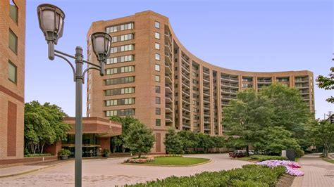 Towers Apartments Rent Water Park Towers Apartments In City Arlington