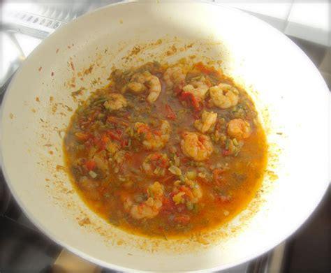 cucinare i finocchietti spaghetti con gamberi e finocchietti ricette di cucina