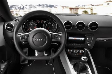 Audi Tt Interior by New 2011 Audi Tt Coupe And Roadster Autotribute