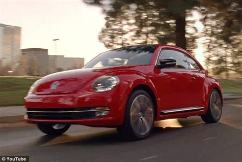 Volkswagen Commercial Jamaican by Controversial Volkswagen Ad That Uses White Actors With