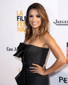 Pictures Of Wedding Dresses Eva Longoria Is Glowing On First Red Carpet Appearance Since Wedding Photo 1