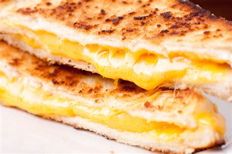 Grilled Cheese the grilled cheese truck in is giving away free