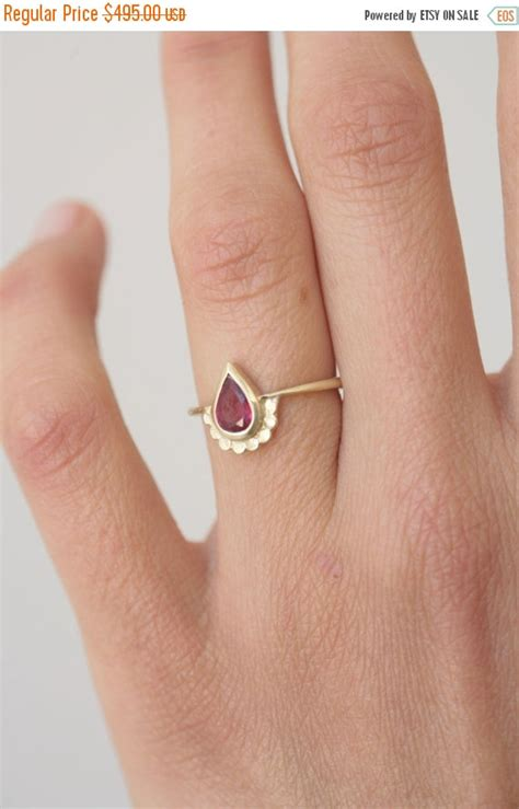 Pear Shaped Engagement Ring. 14k Gold Ring Set With A Pear