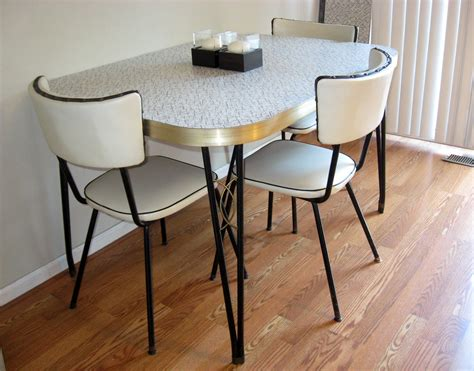 Kitchen Table Sets by Attachment Retro Kitchen Table And Chairs Set 982