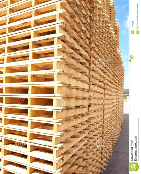 free wood pallets wooden pallets royalty free stock photo image 13670085